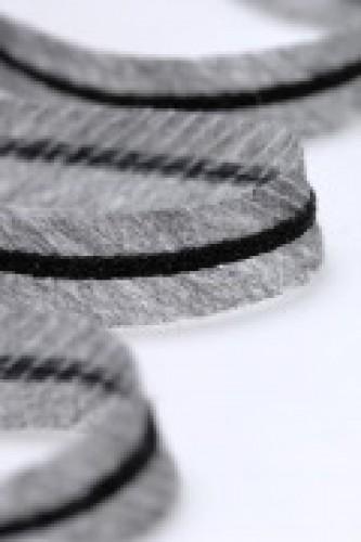 Лента нитепрошивная по косой усиленная 12мм цв.черный(в рул.236м)