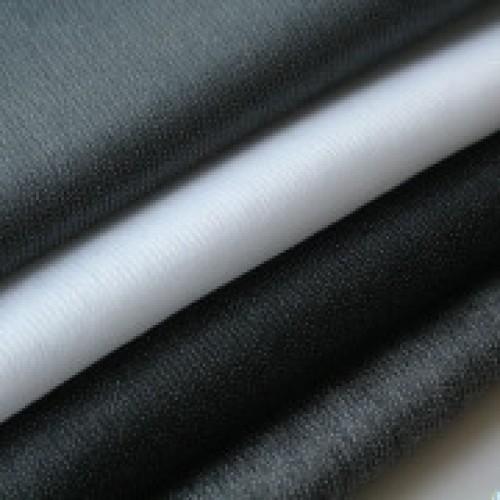 I740 Флизелин нитепрошивной 40г/м 90см цв.черный(в рул.200м)