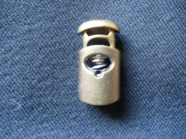 319TR Цилиндр металлизированный пластиковый двухдырочный плоский 28мм цв.никель(в упак.1000шт)