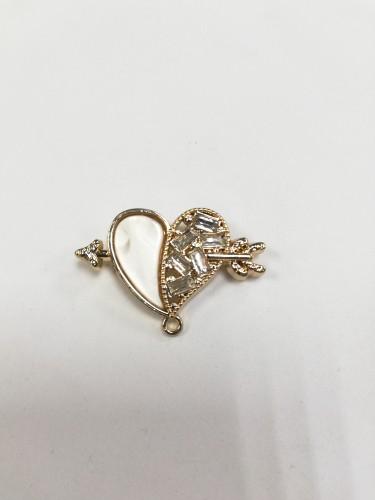 4946R Брошь сердечко с камнями цв.золото(в упак.10шт)