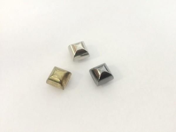 11184RR Шипы металлические на гвоздике 6*6мм цв.ч.никель