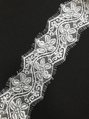 015А-V Кружево реснички шир.9см цв.белый(в упак.30м)