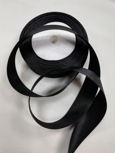 322 Атласная лента 25мм цв.черный(в рул.33м)