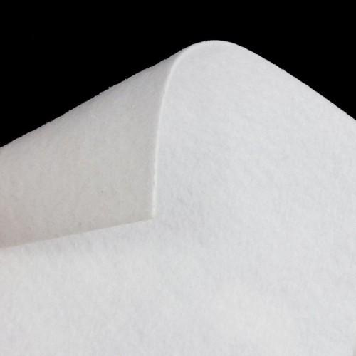 Фильц воротниковый 180г/м 150см цв.белый(в рул.75м)