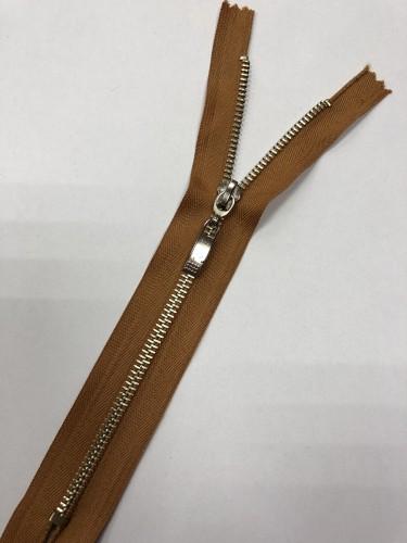 Молния металлическая Т5 декоративная 20см неразъемная никель цв.№280 св.коричневый(в упак.100шт)