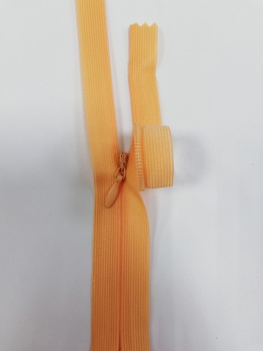 114С Молния потайная Т3 20см цв.св.оранжевый(в упак.100шт) Китай