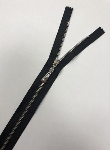 Молния металлическая Т4 блестящая овальный пулер 35см неразъемная никель цв.№322 черный Турция