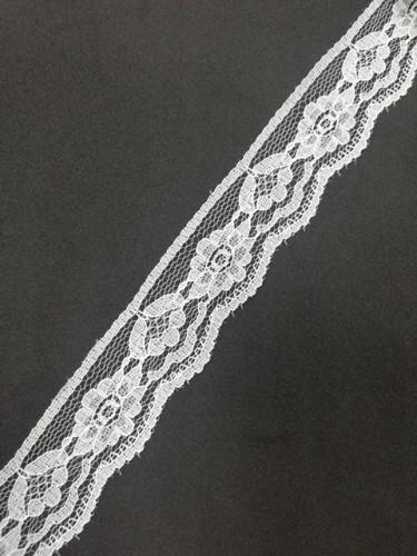 123 Кружево гипюровое полиэстер шир.2,5см цв.белый(в упак.30м)
