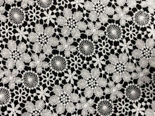 1202 Кружевное полотно цветочки шир.150см цв.белый