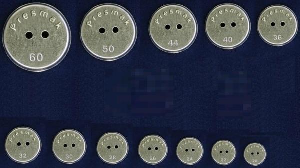 Заготовка для обтяжки пуговиц на 2 прокола с ободком №36 23мм(в упак.500шт)