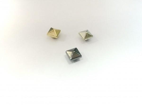 11214RR Шипы металлические на гвоздике 6*6мм цв.ч.никель